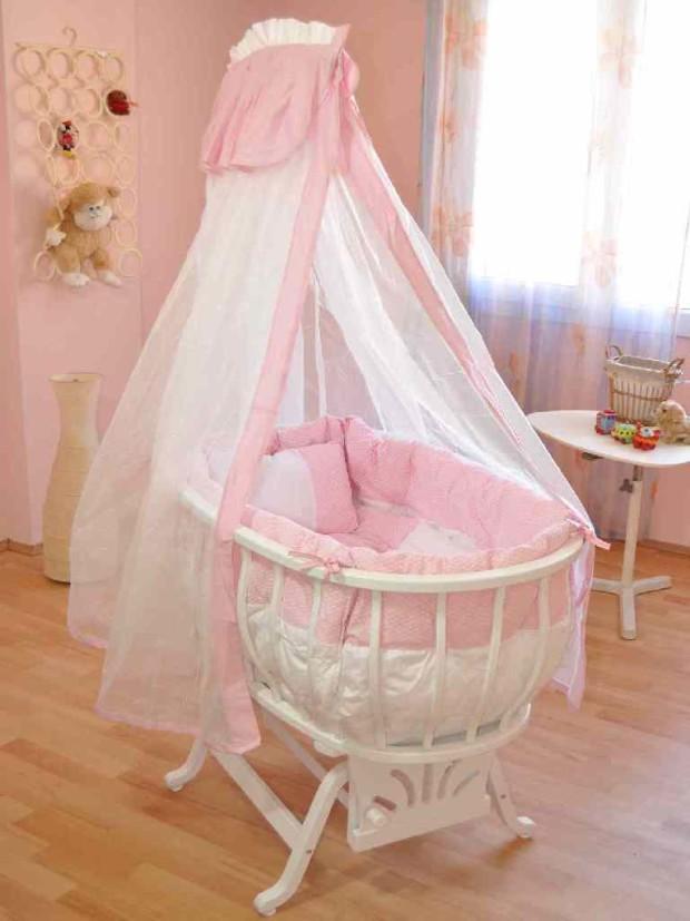 Güzel Pembe Cibinlikli Oval Bebek Beşiği